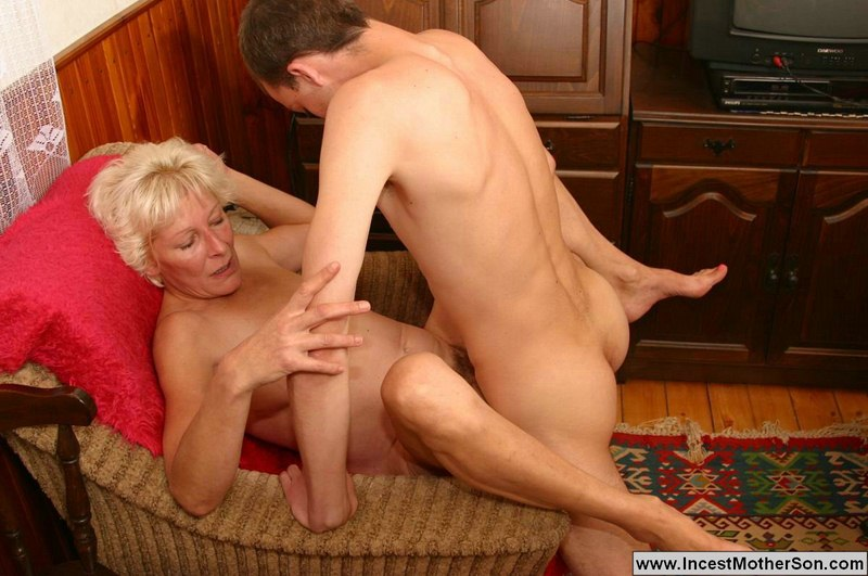 Mom and boy family sex fucking